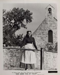Photo of Maureen O'Hara from the 1941 film How Green Was My Valley. Golden Age Of Hollywood, Classic Hollywood, Old Hollywood, Brenda Marshall, Westerns, Maureen O'hara, John Ford, Adventure Film, Banks