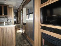 2016 New Keystone Montana 305RL Fifth Wheel in Georgia GA.Recreational Vehicle, rv, 2016 Keystone Montana305RL, 12 Cu Ft 4-Door Refer, 2nd A/C 13.5 BTU, Electric 4 pt Leveling, Free Standing Dinette, High Country Pkg, Moving to Montana Pkg, RVIA Seal, Slide Awning Pkg, Theater Seat Recliner, Volume Dealer,