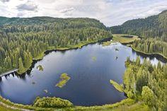 le lac de Lispach (près du village de La Bresse) , dans le département des Vosges (88).