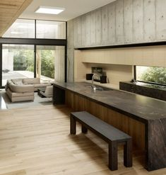 Concrete Box House is a private residence designed by Houston-based Robertson Design. The design and architecture of this house . Beton Design, Concrete Design, Wooden Architecture, Residential Architecture, Minimalist House Design, Minimalist Home, American Home Design, Journal Du Design, Box Houses