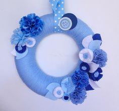 Ideas For Flowers Wreath Blue Felt Flower Wreaths, Felt Wreath, Felt Flowers, Fabric Flowers, Yarn Wreaths, Mesh Wreaths, Blue Flowers, Baby Boy Wreath, Mobiles
