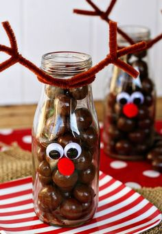 Reindeer bottles are a GREAT craft for kids that can be filled with anything - fruit, veggie slices, and even milk!