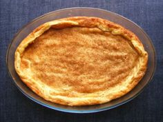 crustless milk tart (s cimetom) South African Dishes, South African Recipes, Custard Recipes, Tart Recipes, Sweet Recipes, Korslose Melktert, Peppermint Crisp Tart, My Favorite Food, Favorite Recipes