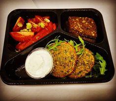 Na kolację falafele a`la freshplate. #freshplate_catering #falafel #kolacja #wege #healthyfood #instafood #ciecierzyca #jemzdrowo
