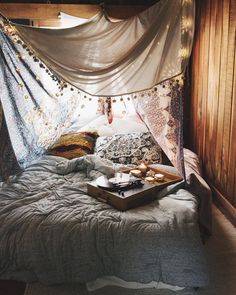 """""""Not a bad place to wake up on a Monday. #UOHome #urbanoutfitters"""""""