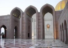 Oman | Sultan Qaboos Grand Mosque, Muscat. credit: xiquinhosilva. view on Fb https://www.facebook.com/OmanPocketGuide #oman #traveltooman #destination