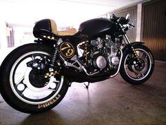 XJ 750 BLACK YAMAHA CAFE'