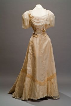 Evening dress, 1890's From the Museo de Historia Mexicana