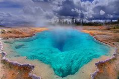 Yellowstone - The Deep Blue Hole  I NEED TO SEE THIS PLACE!!!