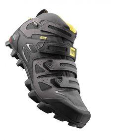 Good mark médium non-slip and resistant blak leather and raincoat shoe