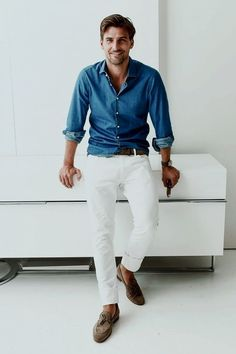 10 Blue and White Looks Men Should Copy