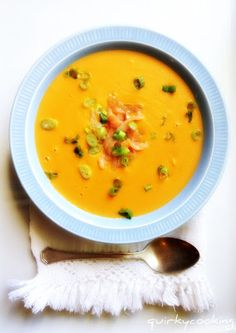 Quirky Cooking: Creamy Smoked Salmon with sweet potato Soup Kitchen Recipes, Soup Recipes, Cooking Recipes, Savoury Recipes, Salmon And Sweet Potato, Sweet Potato Soup, Fish Dishes, Seafood Dishes, Seafood Soup