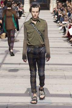Louis Vuitton Spring-Summer 2017 - Paris Fashion Week #PFW