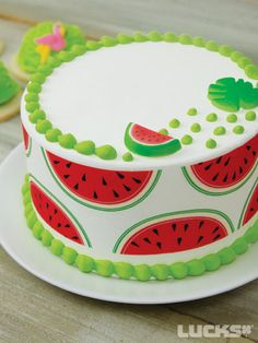 Looking for a birthday theme party? Here comes another sweet idea for you with the Watermelon Theme Party ! Beautiful Cakes, Amazing Cakes, Watermelon Birthday Parties, Summer Cakes, Cute Desserts, Cute Cakes, Creative Cakes, Cupcake Cookies, Cake Smash