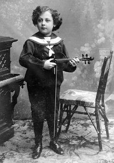 Young Jascha Heifetz. http://www.tuesdaymusical.org