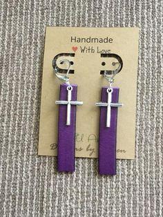Purple Leather Bar earrings with Silvertone Crosses l Drop earrings l Essential oil diffuser earrings l Lever Backs Diy Leather Earrings, Leather Jewelry, Leather Craft, Earrings Handmade, Handmade Jewelry, Leather Bracelets, Leather Accessories, Cross Earrings, Bar Earrings