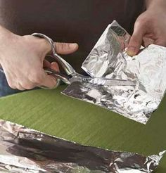 10 Easy Ways to Repurpose Tin Foil http://planetforward.ca/blog/10-easy-ways-to-repurpose-tin-foil/?utm_source=feedburner_medium=feed_campaign=Feed%3A+planetforward%2FFIJu+%28Planet+Forward%29#