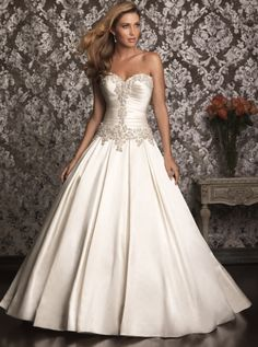 Allure '9003' size 18 new wedding dress front view on model
