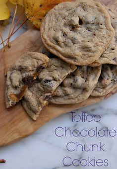 dear heavens, these are good! Chewy and delicious and easy to make. Substitute the toffee chips for any chips you like! via lifeingrace Chocolate Chip Cookies, Toffee Cookies, Chocolate Toffee, Yummy Cookies, Candy Cookies, Chocolate Lovers, Köstliche Desserts, Delicious Desserts, Dessert Recipes
