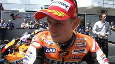 Stoner eases to win in Portugal