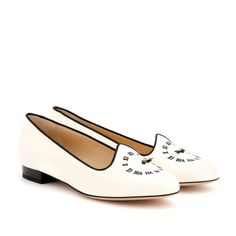 FASHIONABLY LATE PATENT-LEATHER PUMPS