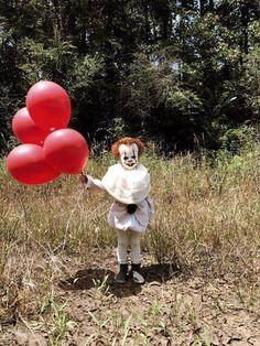 It Clown: Sweet & Creepy Halloween Costume // Eagan Tilghman Creepy Halloween Costumes, Creepy Clown, Scary Costumes For Kids, It Clown Costume, Scary Baby Costume, Best Toddler Halloween Costumes, Chucky Costume, Horror Clown Kostüm, Halloween Ideas