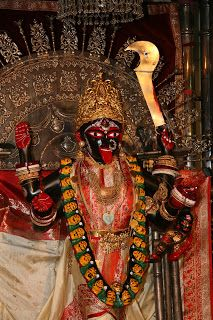 At the Feet of the Mother: Swami Vivekananda Maa Kali Images, Durga Images, Lord Shiva Hd Images, Kali Shiva, Kali Hindu, Kali Mata, Kali Goddess, Indian Goddess, Mother Goddess