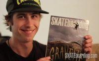 Foi capa da Transworld Skateboarding de maio o skatista David Gravette mandando a manobra Backflip, e como a propria revista declarou, não é todo dia que você tem um Backflip na capa.