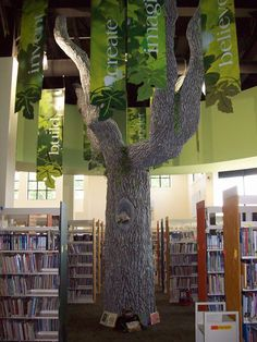 Too cool. I want a telling tree. Care Organization, School Furniture, Garden Show, Library Design, Reading Room