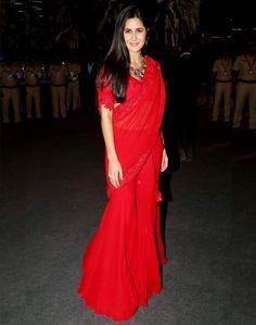 Red Saree, Saree Look, Bollywood Celebrities, Bollywood Fashion, Bollywood Actress, Bollywood Stars, Saree Fashion, Bollywood Girls, Indian Bollywood