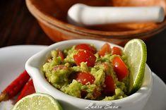 Guacamole - Retete culinare cu Laura Sava   Retete culinare cu Laura Sava Guacamole, Avocado, Salads, Vegan Recipes, Mexican, Ethnic Recipes, Mai, Food, Lawyer