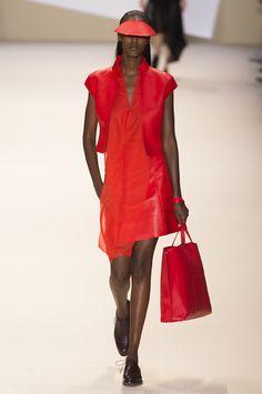 Mode à Paris S/S 2015 AKRIS. See all fashion show at: http://www.bookmoda.com/?p=39166 #modeaparis #spring #summer #ss #fashionweek #catwalk #fashionshow #womansfashion #woman #fashion #style #look #collection #paris #akris @akrisofficial