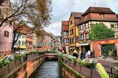 Saindo da rota básica é possível também conhecer lugares mais calmos e pequenas cidades históricas que valem a pena.
