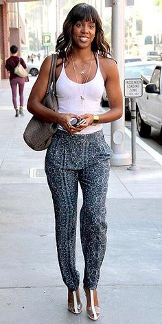 Kelly Rowland effortlessly pulled off  this look.