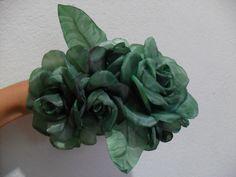 Rosa de tecido verde para cabelo e roupas