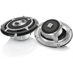 """450 Watt Både """"high-power og high-end"""" Totalt gjennomført i aluminium Tekstil diskanter og mellomtone Overdimensjonerte spoler og magnete"""
