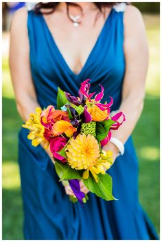 BRIGHT & CHEERY SONOMA GARDEN & BARN WEDDING