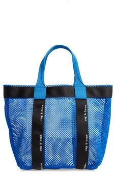 rag & bone offers its take on the transparent bag trend with this mesh tote paired with a removable zip pouch that keeps everyday essentials organized. Diy Bags Purses, Transparent Bag, Net Bag, Summer Bags, Shopper Bag, Fashion Bags, Fashion Fashion, Runway Fashion, Purses