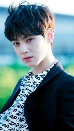 Cha Eun Woo talked about his ideal type. The December 3 airing of MBC's 'Section TV' included an interview with the ASTRO membe… Handsome Actors, Handsome Anime, Cute Actors, Handsome Boys, Cha Eun Woo, Estilo Dark, Cha Eunwoo Astro, Astro Wallpaper, Lee Dong Min