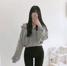 Korean Outfit Street Styles, Korean Fashion Casual, Korean Girl Fashion, Korean Fashion Trends, Ulzzang Fashion, Korean Street Fashion, Korean Outfits, Edgy Outfits, Cute Casual Outfits
