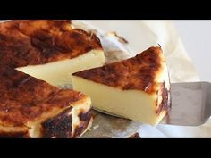 4 ingredients Basque burnt cheesecake - YouTube Honey Cake, Sweet Cakes, Dessert Recipes, Desserts, Cheese Recipes, Cheesecakes, Cake Pops, Cupcake Cakes, Low Carb