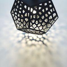 """Auf @Behance habe ich dieses Projekt gefunden: """"POMEGRANATE LAMP"""" https://www.behance.net/gallery/15792701/POMEGRANATE-LAMP"""
