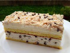 Torta semifreddo alla vaniglia e panna con gocce di cioccolato