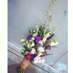 Wedding bouquet. purple. pink. Garden wedding.