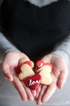 {love} cookies | caramel cookie