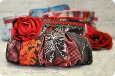 PDF Pattern with sewing instructions for a small pouch in two sizes. Diy Sac, Fabric Embellishment, Pdf Sewing Patterns, Cloth Bags, Bucket Bag, Purses And Bags, It Is Finished, Crafty, Embroidery