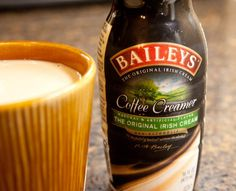 Homemade Baileys Irish Cream comes together 1 minute, with ingredients you likely already have on hand. The flavor is a dead ringer for store-bought. Baileys Irish Cream, Baileys Original Irish Cream, Baileys Coffee Creamer, Salsa Teriyaki Casera, Pollo Kfc, Distilling Alcohol, Homemade Baileys, Irish Whiskey, Slushies