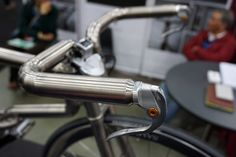 Like Cykelmageren, Groovy and Cherubim, Samurai brought out the kind of bike that challenges notions of what a bike could or should be. These builders make things that certainly aren't for everyone, the looks rarely fall into standard notions of what bikes should be, and the details are often astounding. Samurai's titanium road bike checks …