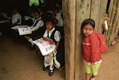 Carla perdió todo a los 13 años, cuando quedó embarazada: su primer año en educación secundaria, su familia, su novio y su felicidad. Pasó un año mendigando en las calles de la capital de Nicaragua antes de ser recibida en un centro para niñas madres.