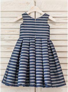 A-Line/Princess Tea-length Flower Girl Dress - Organza Sleeveless Scoop Neck